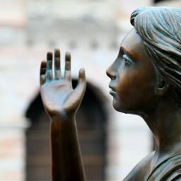 verona statue romeoandjuliet giulietta